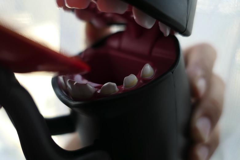 カオナシむしゃむしゃ歯の汚れ